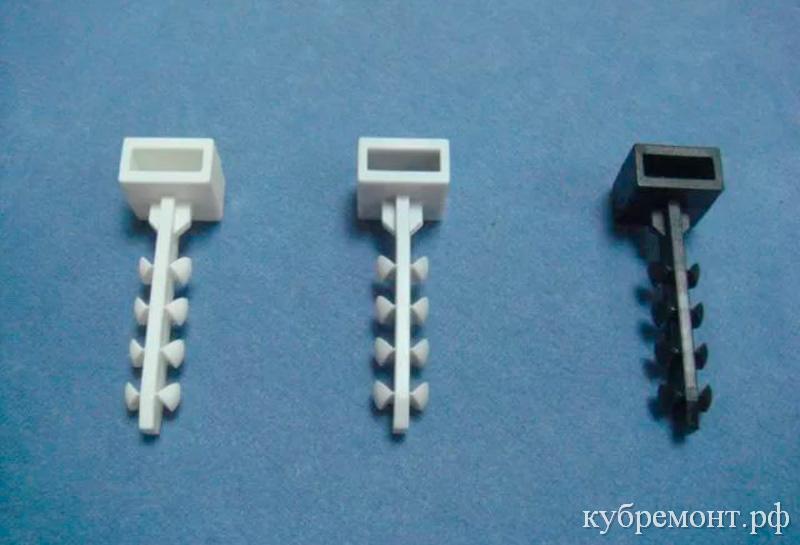 Пластиковые дюбеля крепления хомута-стяжки